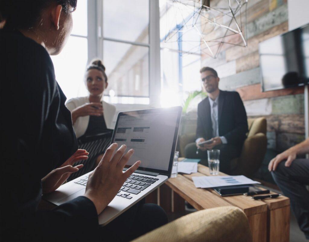 Consultoria Empresarial Digital Disruptiva inicia o debate de estratégias
